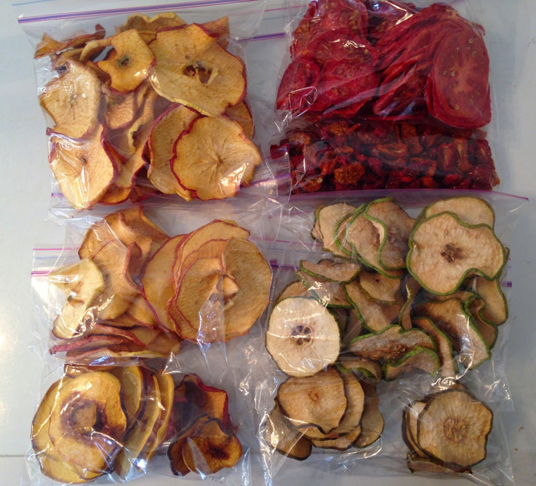dehydrated-apples-pears-tomatos-peaches