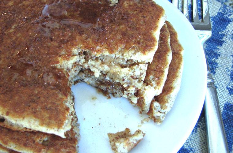 apple-cinnamon-pancakes